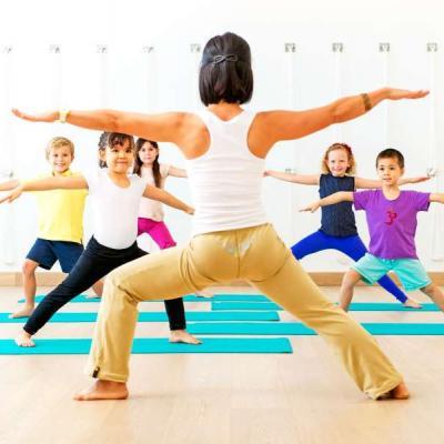 Γιόγκα για παιδιά: 5 λόγοι που αξίζει να τη δοκιμάσετε